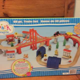 new 60pc wooden train set