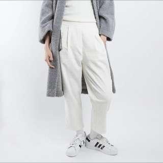🚚 轉賣iDid全白直條紋燈芯絨休閒褲