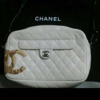 (Fast Deal $500) Authentic Chanel White Lingne Bowle Tote