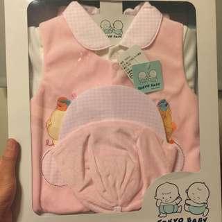 全新女寶寶厚絨毛三件式禮盒