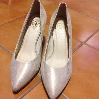 🚚 Brunni婚禮高跟鞋 金色