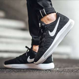 Nike Lunarepic Black White