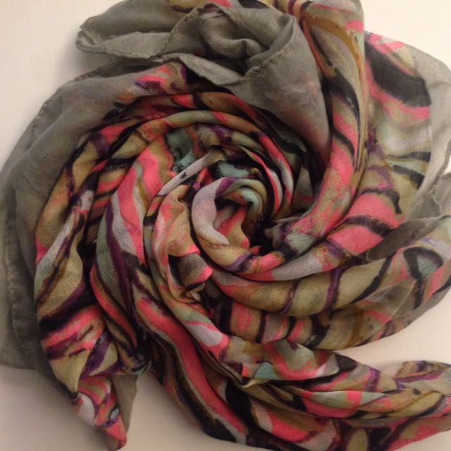 歐美休閒彩繪圍巾