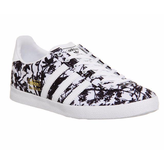 constante Letrista Glosario  adidas gazelle og - white and black floral print, Women's Fashion, Shoes on  Carousell
