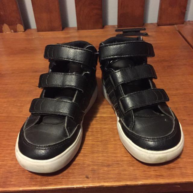 adidas preschool shoe size 9c