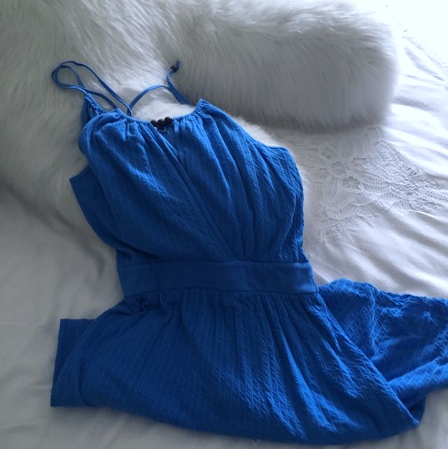 Cute Blue Summer Dress With Neck Detail!