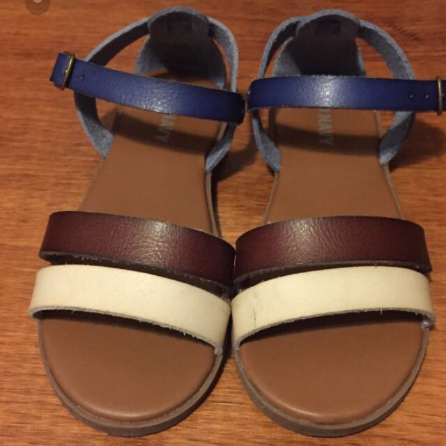 old navy sandal size 11