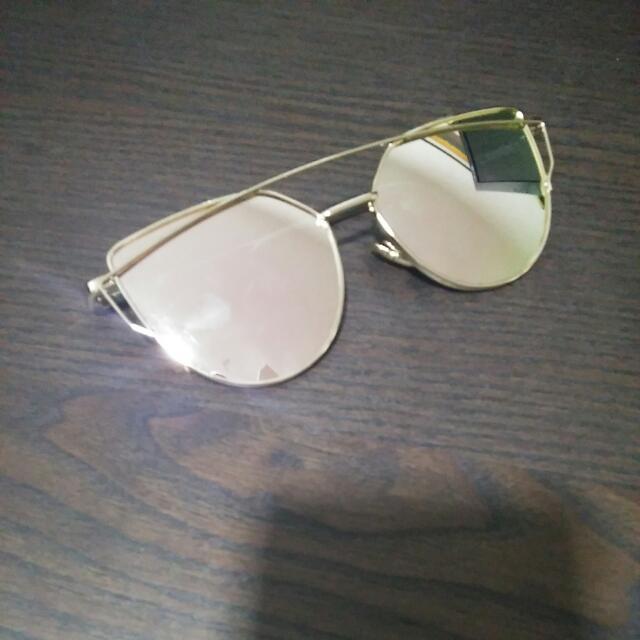 fe91f5de2314c  pending  Rose Gold Reflective Sunglasses