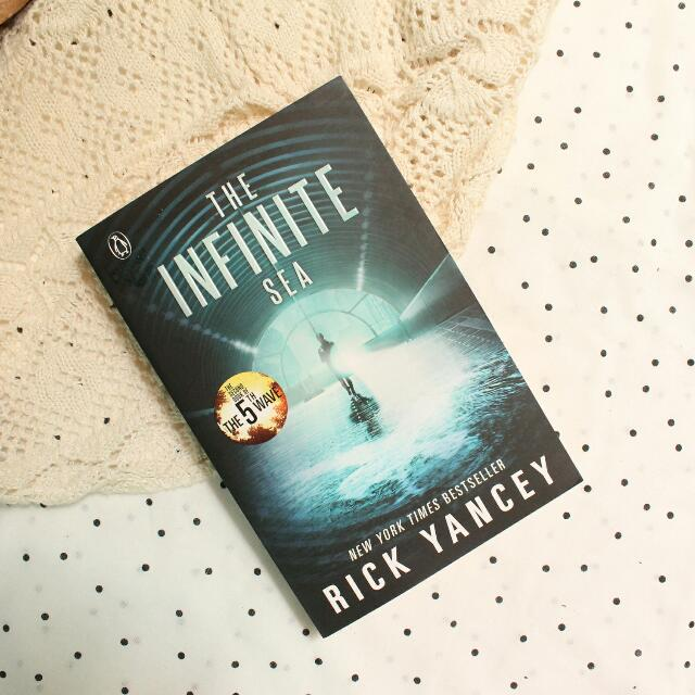 The Infinite Sea (The 5th Wave #2)