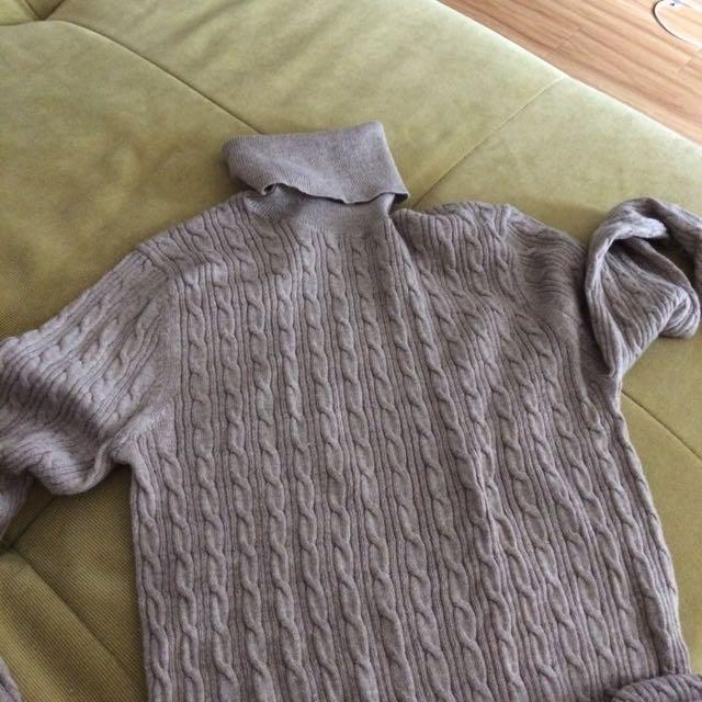 Uniqlo Turtle Neck Sweater