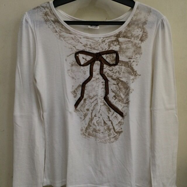 White Longsleeves With Ribbon Accent