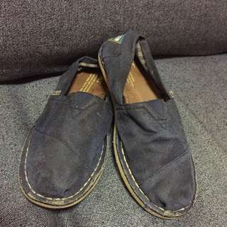Authentic TOMS