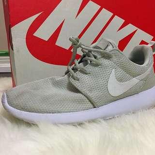 Off-white Nike Roshe