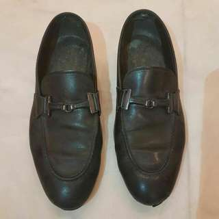 AUTHENTIC TODS DRESS SHOES