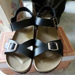 仿勃肯涼鞋