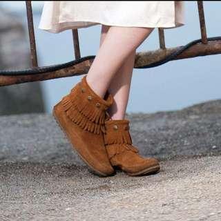 Minnetonka 靴子