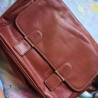GENUINE LEATHER MESSENGER/BODY BAG