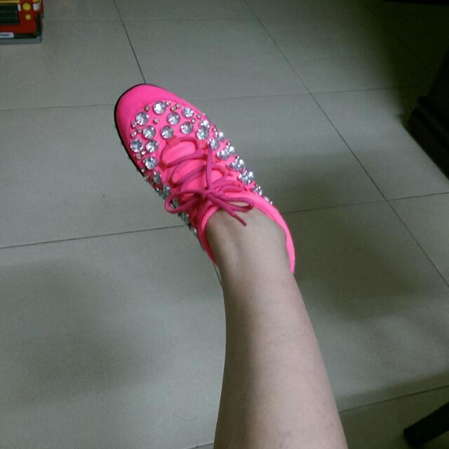 潮鞋~桃紅色綴寶石休閒鞋/37號