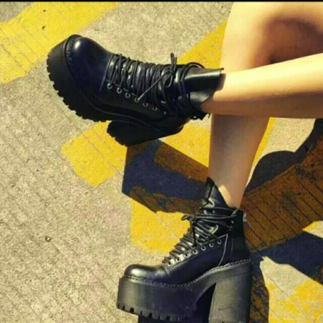 (徵)同款粗跟靴