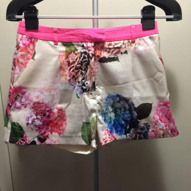 Bardot floral shorts Size 8