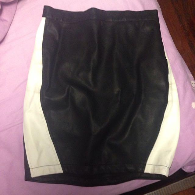 Bardot White And Black Leather Skirt