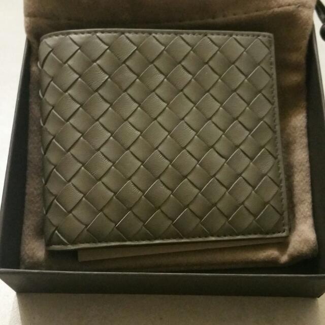 Bottega Veneta Men Wallet (100% Authentic) be0ea2f5fcc64