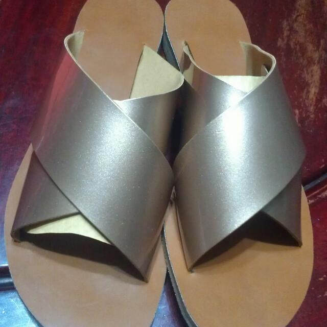 Brand New Sandals Gold