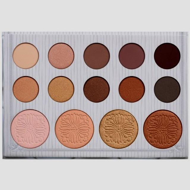 Carli Bybel - 14 Colour Eyeshadow And Highlight Palette