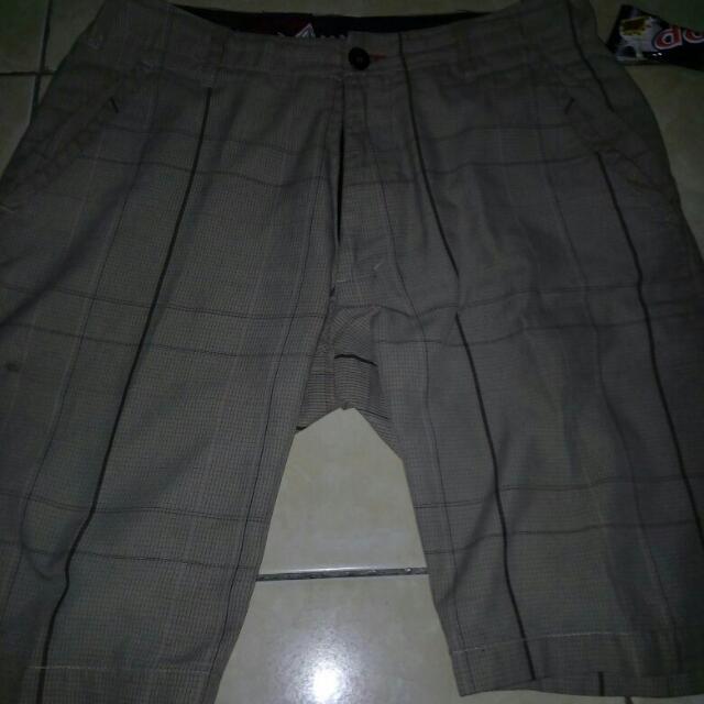 celana pendek volcom original