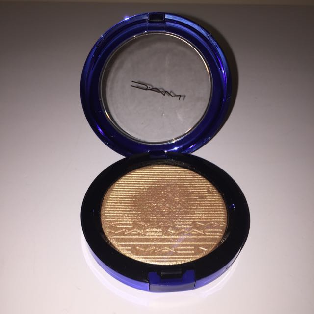 "MAC ""Oh Darling"" Highlighter Limited addition"