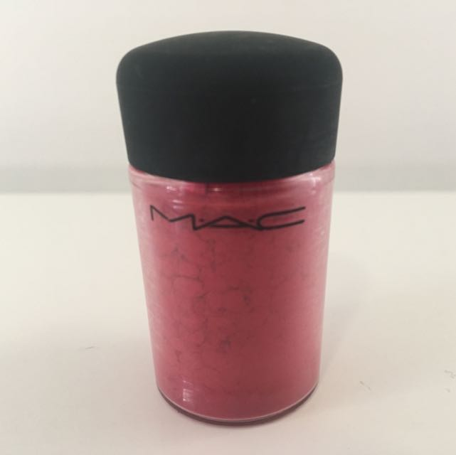 MAC Pigment - New Fixation