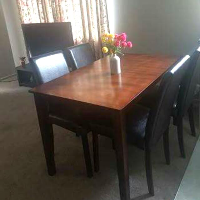 nearly new dining table