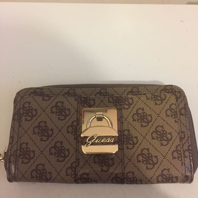 New Guess Women's Signature Quattro Zip Around Wallet