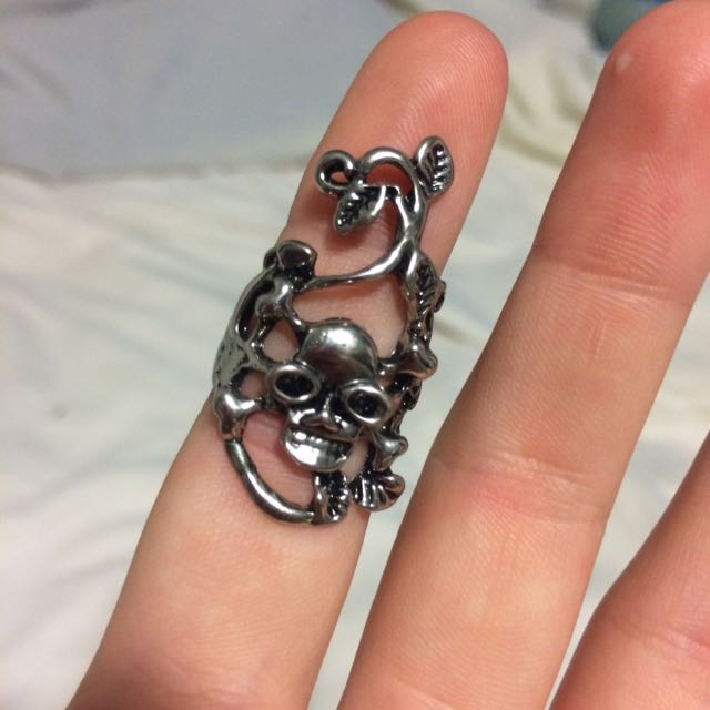 Skull And Vines Ring