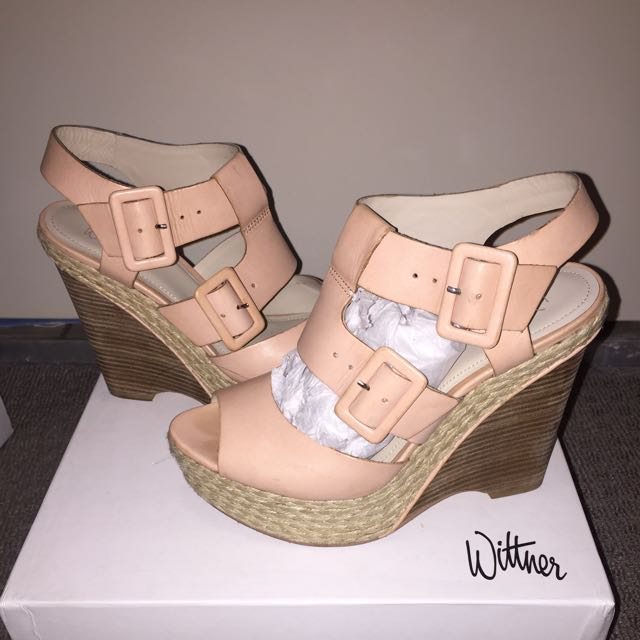 Wittner size 10 Peach Leather Wedges