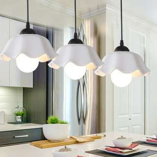 Elegant pendant light - Perfect for dining table settings