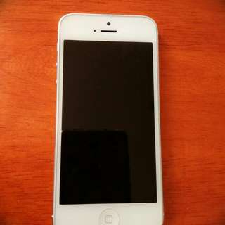 iPhone 5 white and 16GB