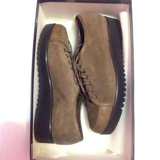 Size 7 1/2 Aquatalia Shoes