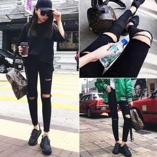(po) Black High Waist Ripped Jeans