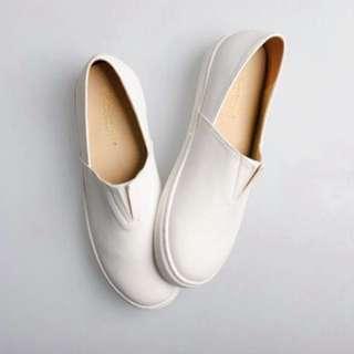 [郵寄中]富發牌皮質懶人鞋
