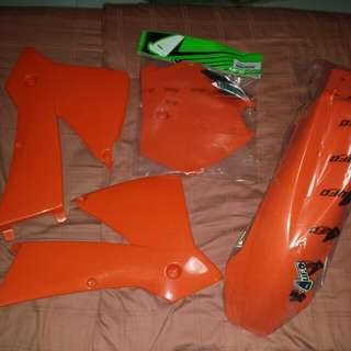 UFO KTM 200 Sx plastic Kit (Excluding Tail Piece)