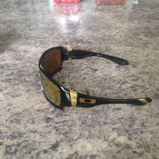 Oakley offshoot Sunglasses
