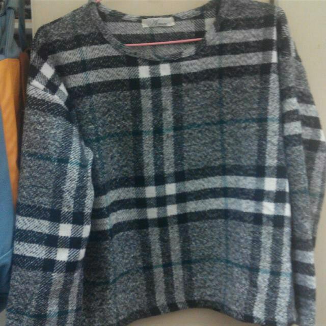 格紋短版毛衣