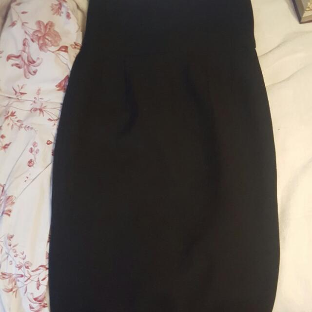 Black Zara Pencil Skirt Size SMALL