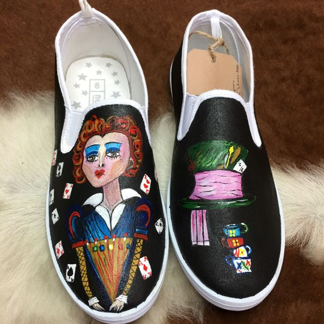 Hand Painted Canvas Shoes. Alice In wonderland Red Queen And Mad Hatter