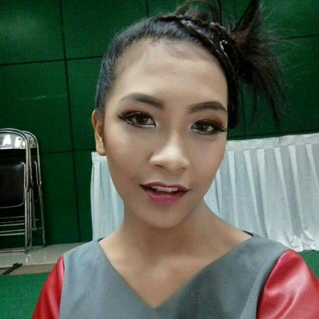 Jasa Makeup Artist