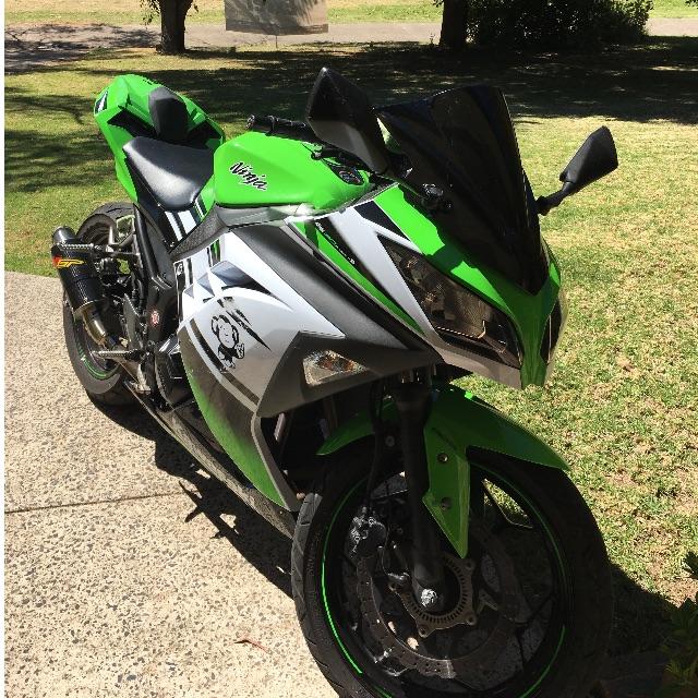 Kawasaki ninja 300 abs, 2015 30th anniversary