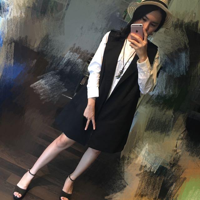 mantel hitam