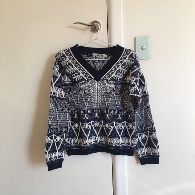 Navy And White Knit Size 8-10