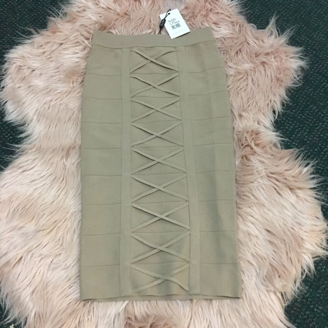 Nude Bardot Pencil Skirt Size 6